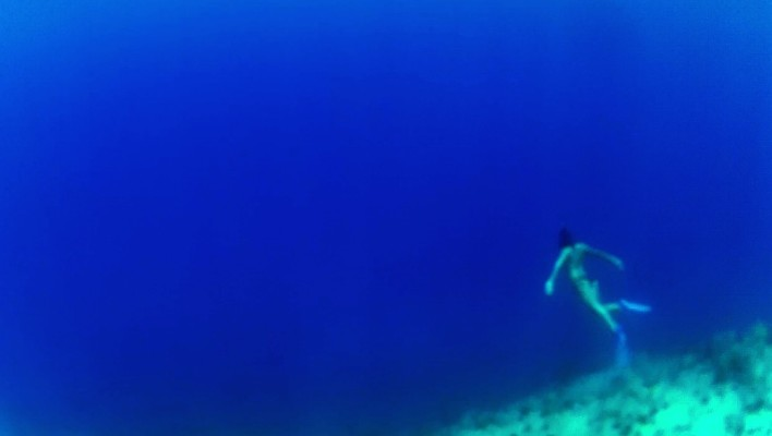 blue, girl, snorkel, flippers, underwater, underwater cliff, at the edge, darkness