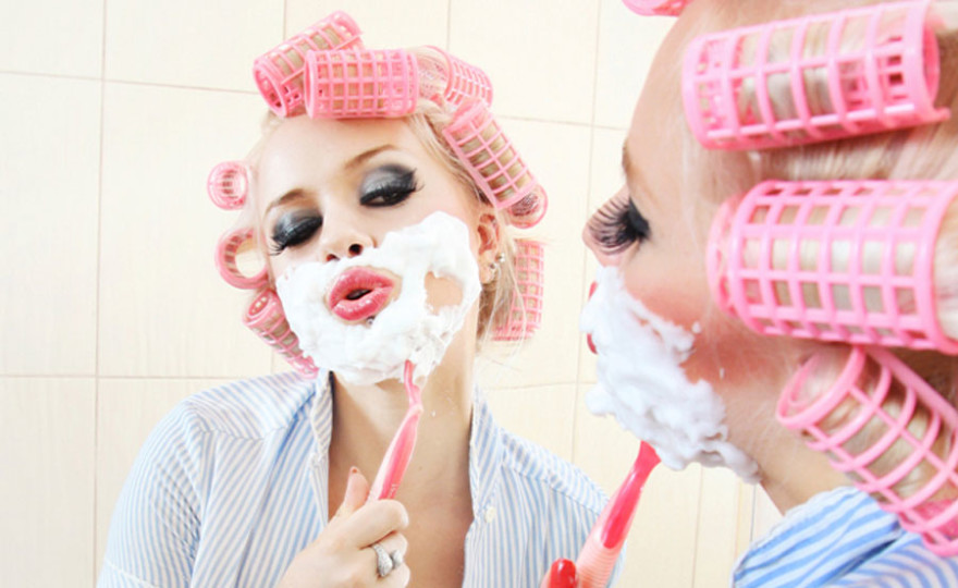 pink, rollers, pretty girl, depilation, girl shaving, bath robe, mirror, funny, comical, make-up