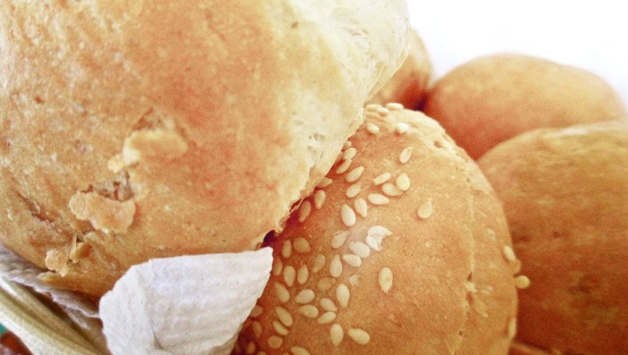 dick bakery, dominican republic, bread, sesame seeds, buns