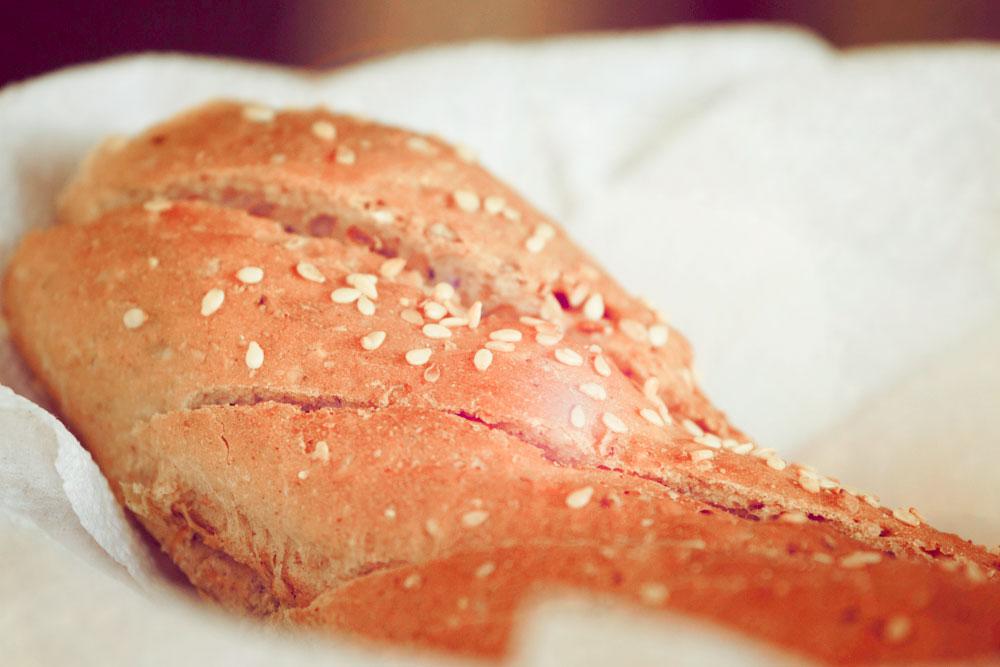 sesame seens, bread, whole wheat, yum
