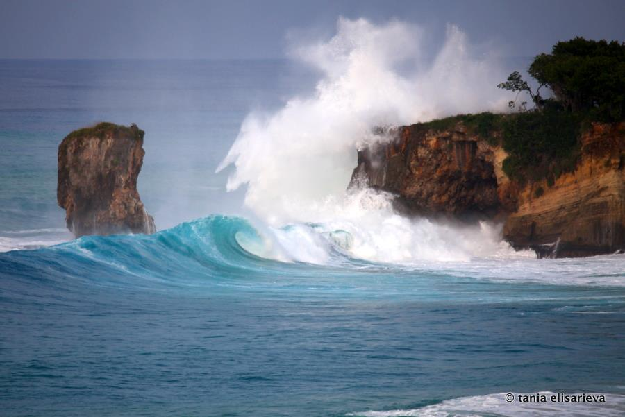 swell, cliff, wave, huge wave, surf, splash, wave breaking against cliff, wetravelandblog.com