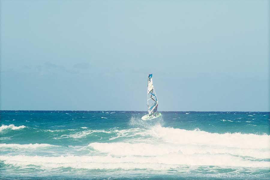 windsurf-jump