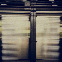 nyc, subway, blur, grain, grime, movement, metal, motion, http://wetravelandblog.com